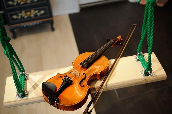 バイオリンとブランコ